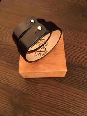 Кожаные браслеты с гравировкой Chernous